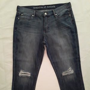 NWOT Articles Of Society Distressed Cropped Jeans
